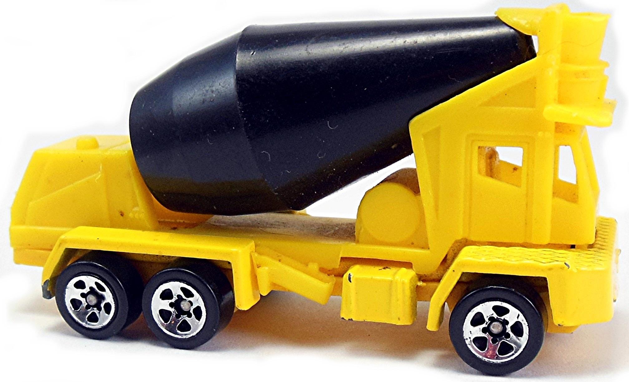Hot Wheels 1998 1:64 Scale Yellow Oshkosh Concrete Mixer Die Cast Car Collector #863 Mattel