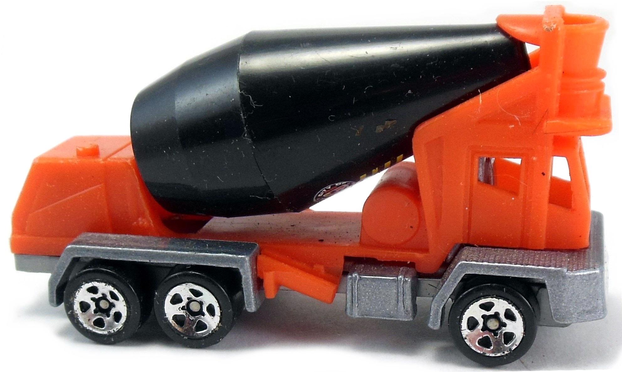 Oshkosh Cement Mixer Truck (c) | Hot Wheels Newsletter