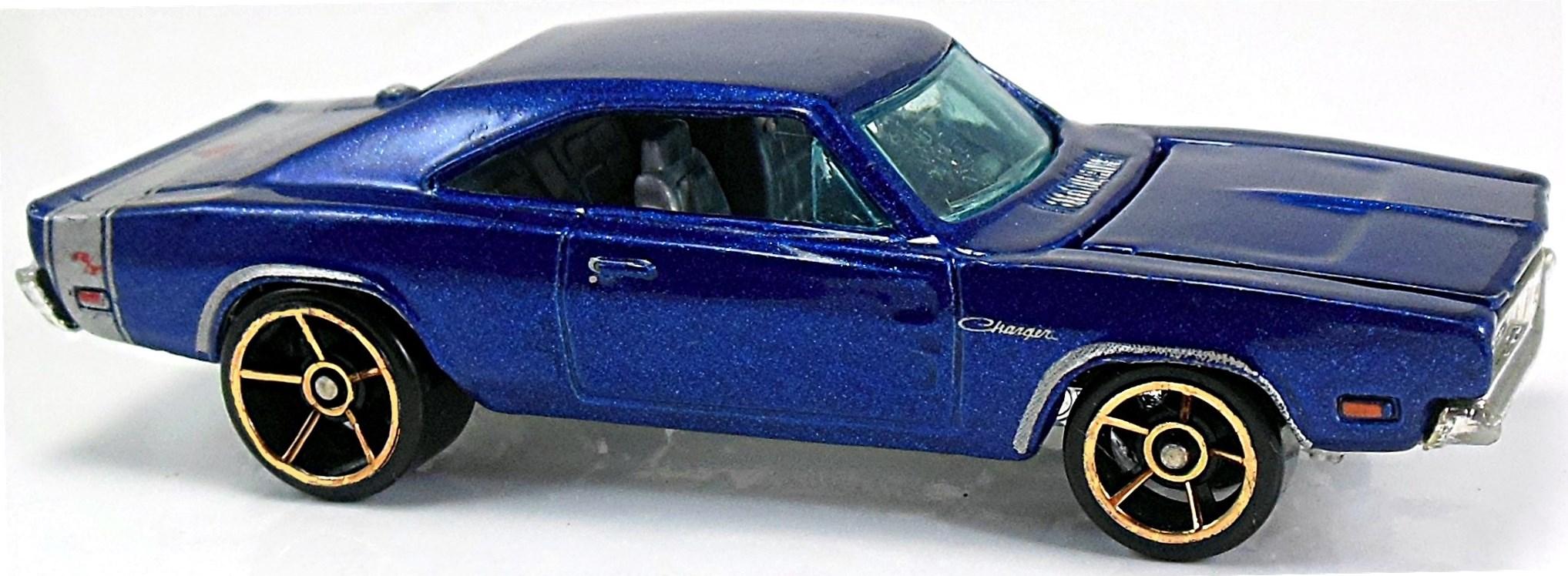 2005 Hot Wheels #104 Blue 1969 Dodge Charger w//5 Spoke Wheels